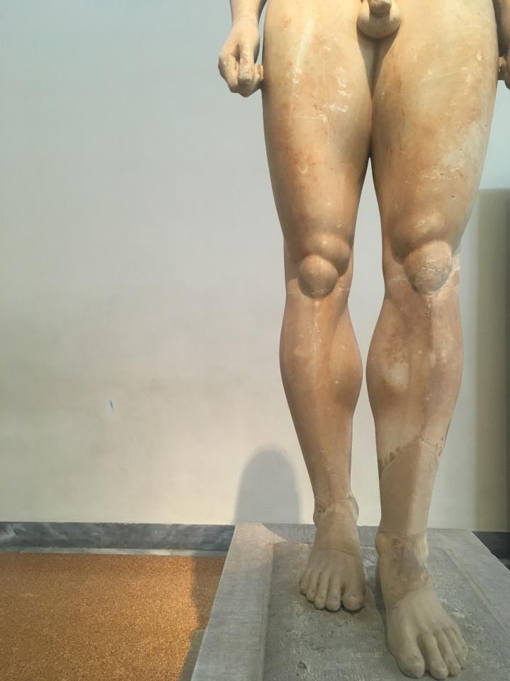 Anavysos Kouros legs