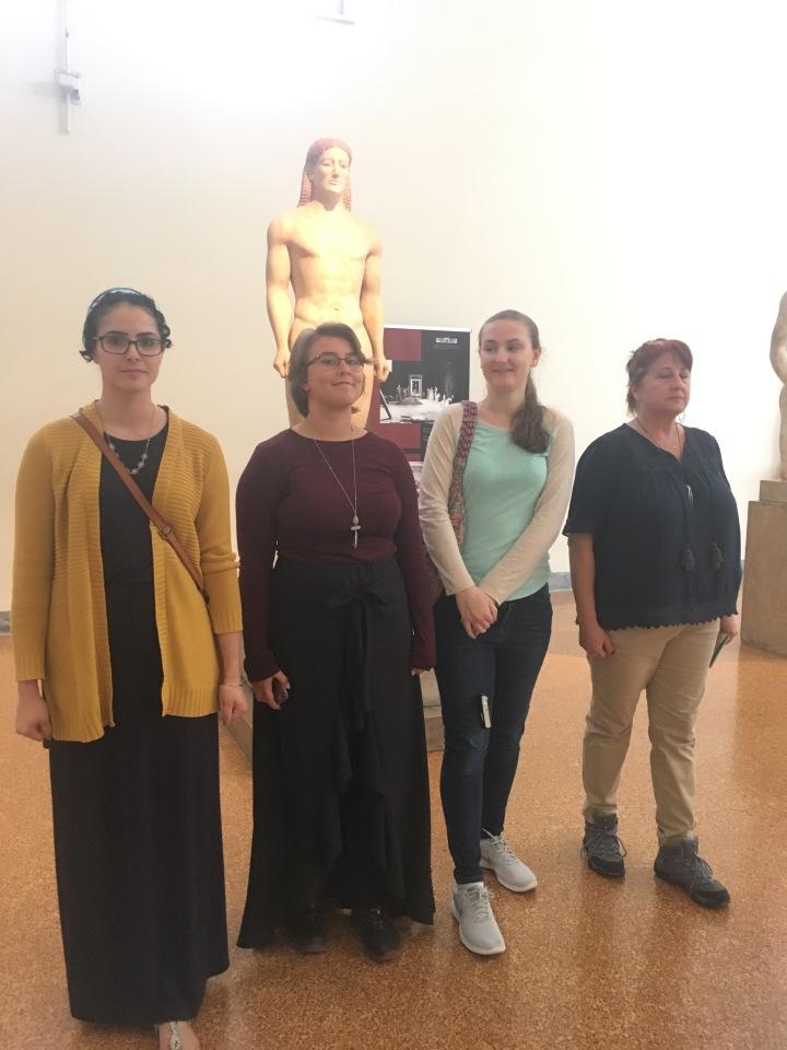 Anavysos Kouros with group