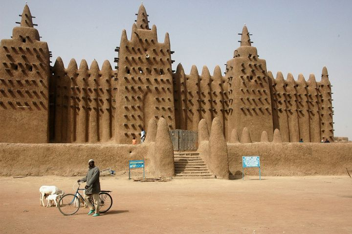 1200px-Djenne_great_mud_mosque